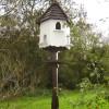 Bird House outside Licswm