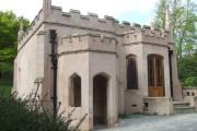 Princess Amelia's Bathhouse, Gunnersbury Park