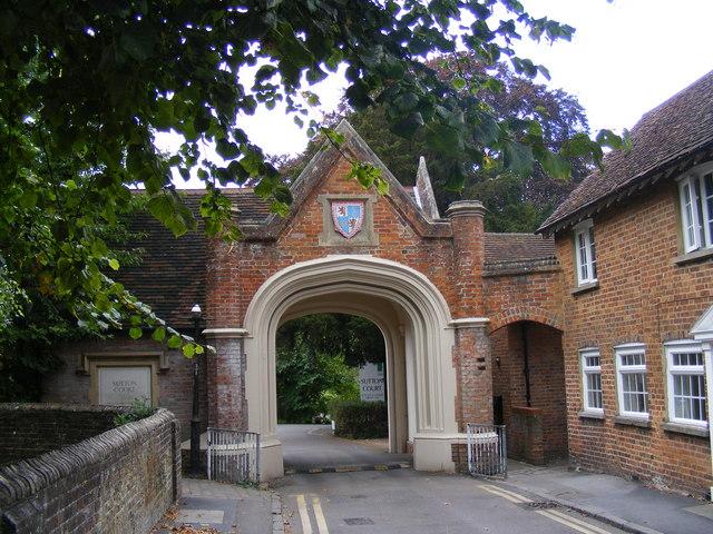 Sutton Court, Tring