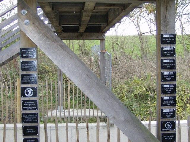 New footbridge on Wendover Arm