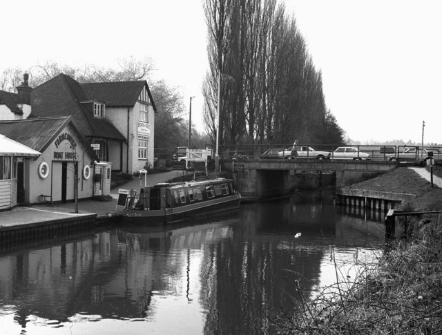 Farncombe Bridge and Boathouse, River Wey, Surrey