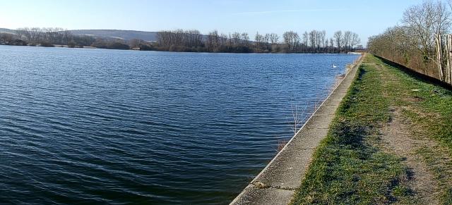 Wilstone Reservoir, looking southwest
