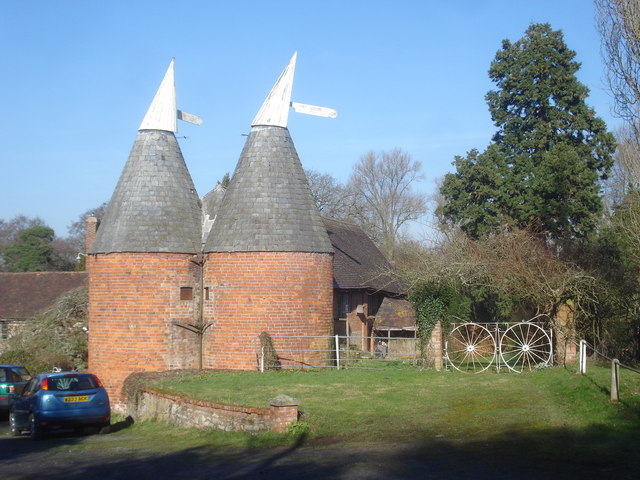 Oast houses at Old Country Farm