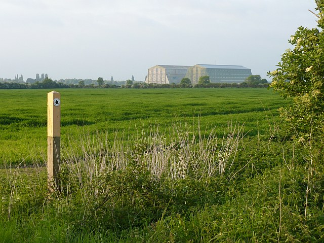 Bridleway marker and cereal field