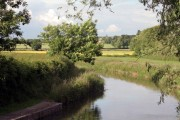 Evening sun on the Chesterfield canal