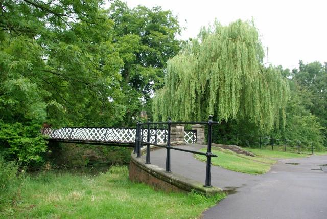 Footbridge over the river Leam