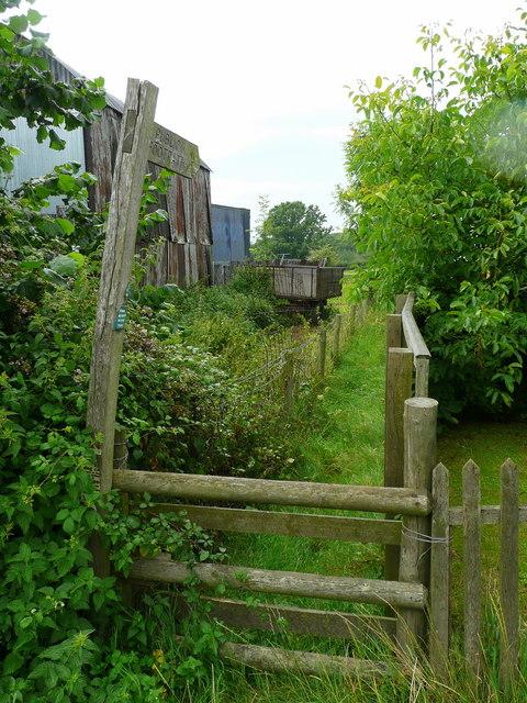 Footpath to Cagebrook Bridge