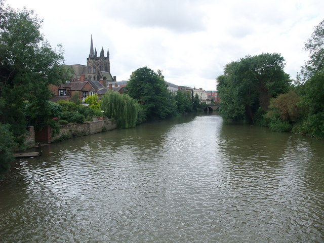 The River Leam from Mill Bridge