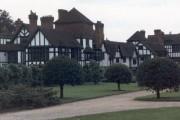 Ascott House, Wing