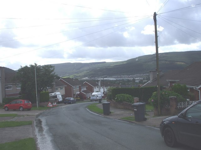 Llangorse Rd, Cwmbach, looking south