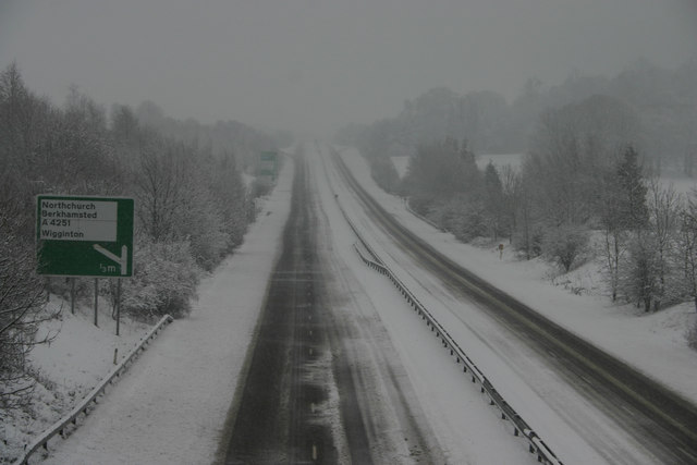 Tring bypass (A41) closed by snow