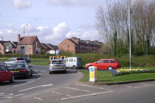 The Moorings flats and pub, Myton Road, Warwick