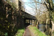 Bridge carrying Peak Rail line over the River Derwent