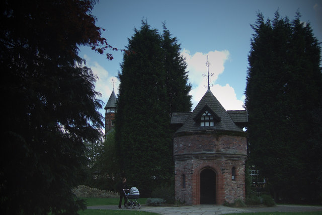 Dovecote, Walkden Gardens