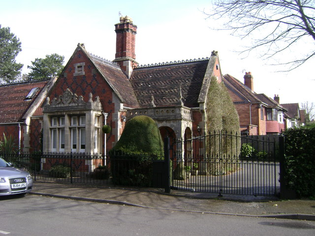 Former lodge, corner of Myton Road and Myton Lane