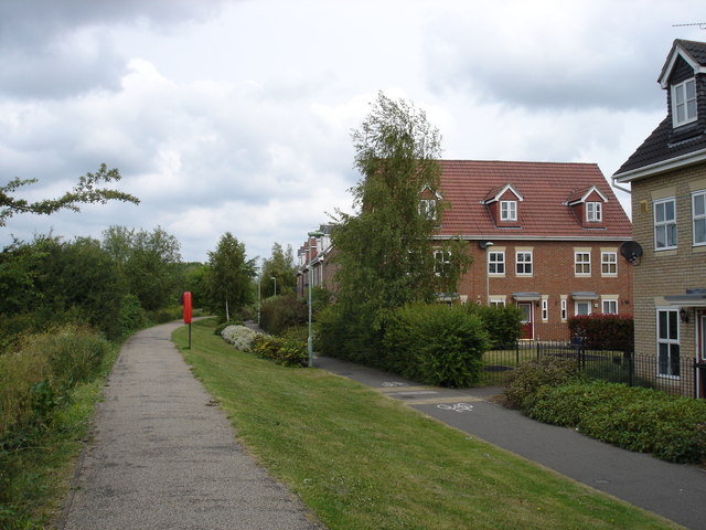 Cycle path alongside the Gipping