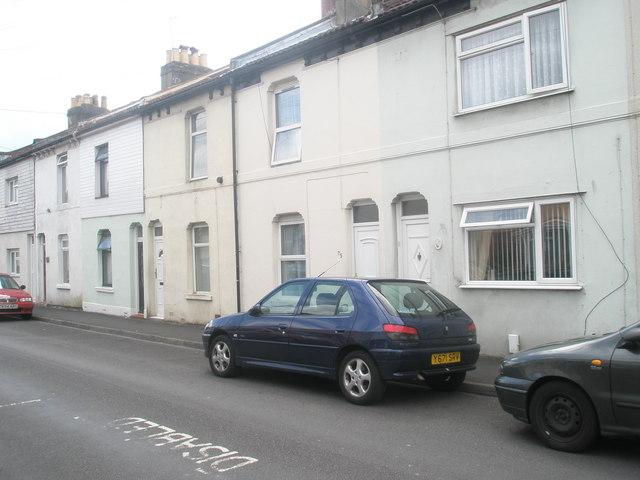 Terraced houses in Leesland Road