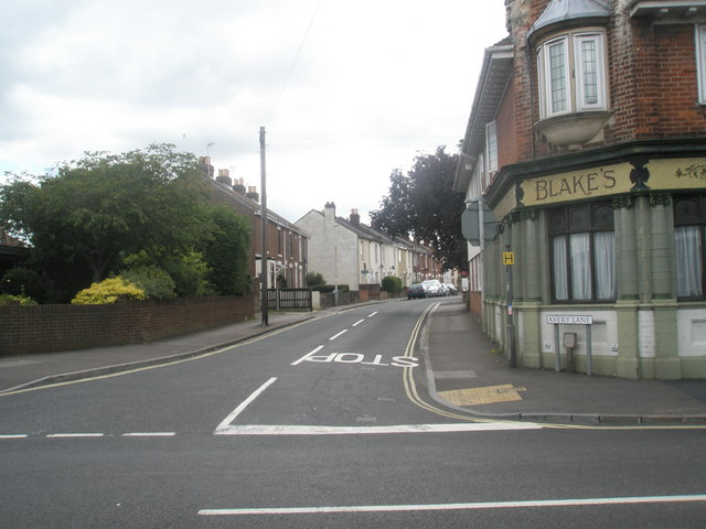 Looking from Brockhurst Road into Avery Lane