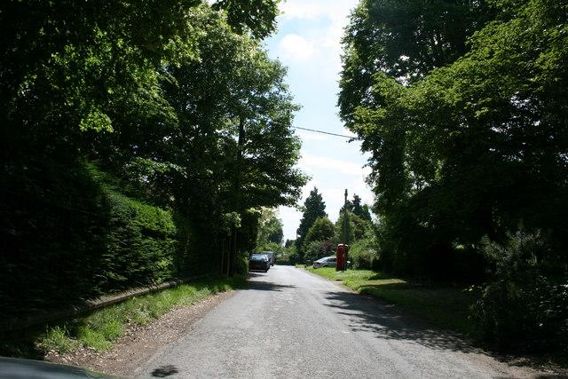 Road through Waterperry