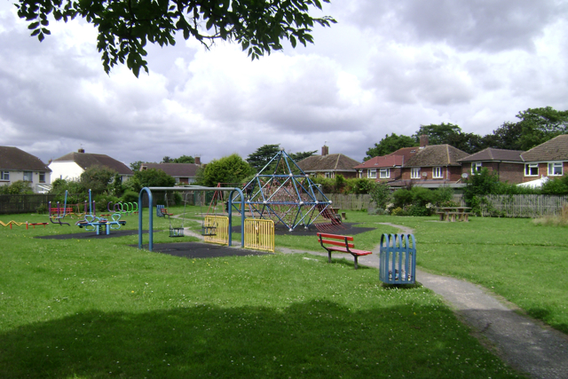 Elizabeth Road play area, Leamington Spa