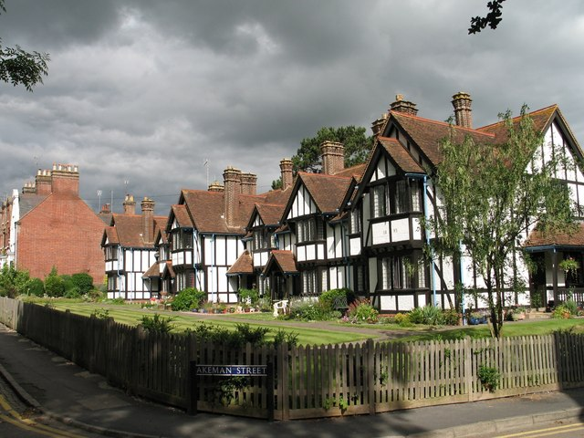 Louisa Cottages, Tring