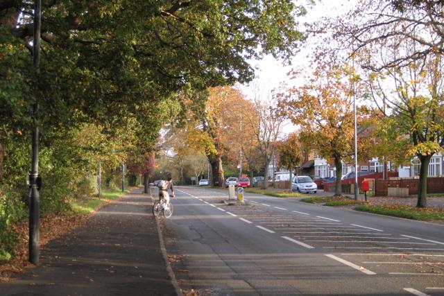 NCN Route 41 crosses Radford Road