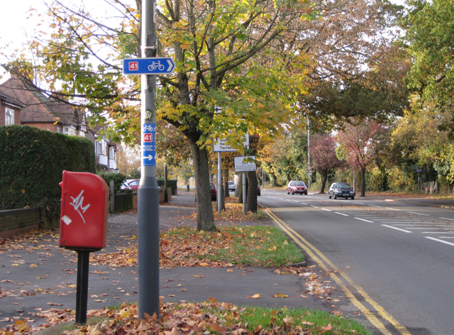 NCN Route 41 crosses Radford Road (2)