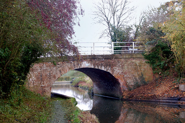 Looking northeast at bridge 35, Grand Union Canal