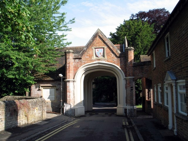 Entrance to Sutton Court, Church Yard, Tring