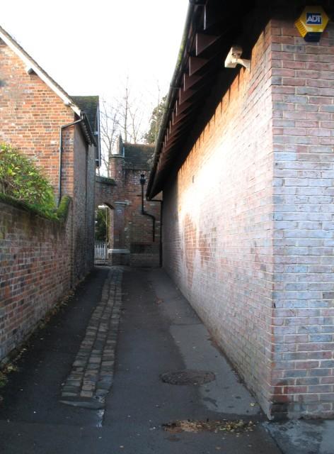 Public Footpath (facing Church Yard), Tring