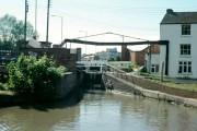 Banbury Lock and lift bridge, 1977