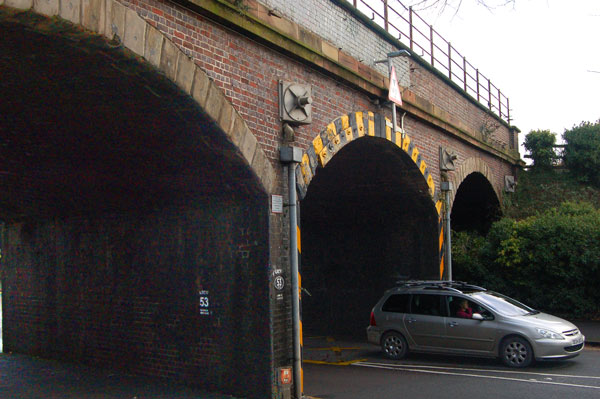 Close-up view of three-arch railway viaduct, Warwick New Road