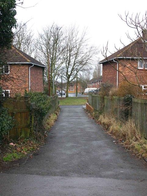 Alleyway between Black Lane and Buckley Road