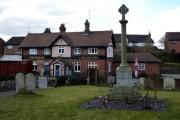 Churchyard and pub, Great Blakenham