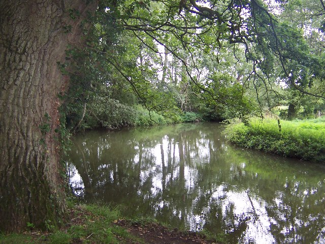 River Thame, Waterperry