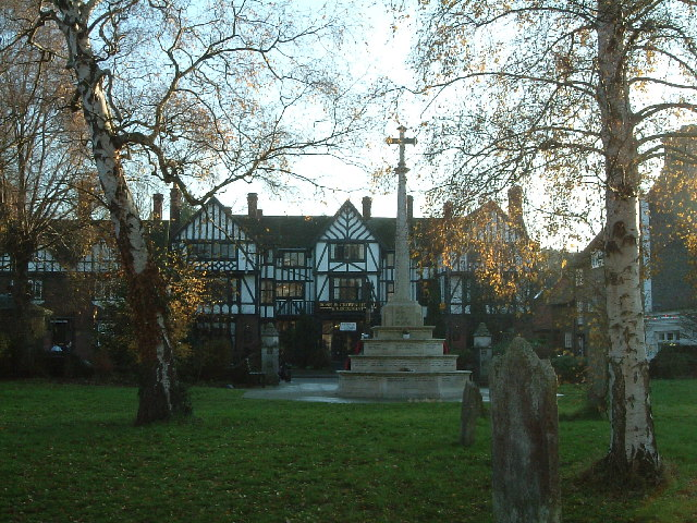The Rose & Crown and War Memorial, Tring