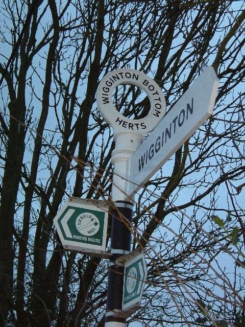 Wigginton Bottom Signpost