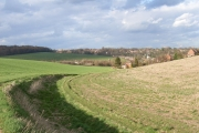Valley curving towards Amersham