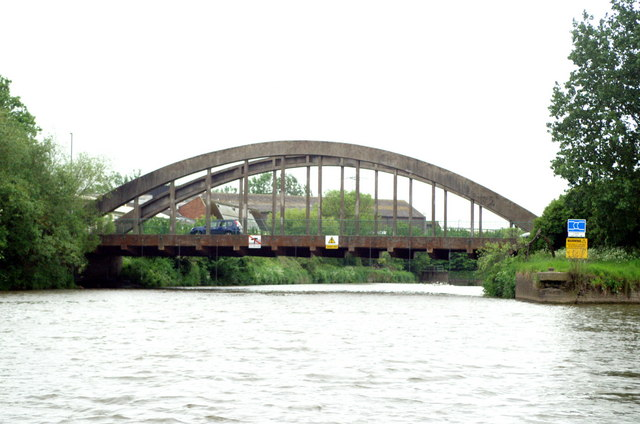 River Avon,  Feeder Road Bridge