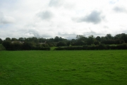 From footpath near Lingerfield
